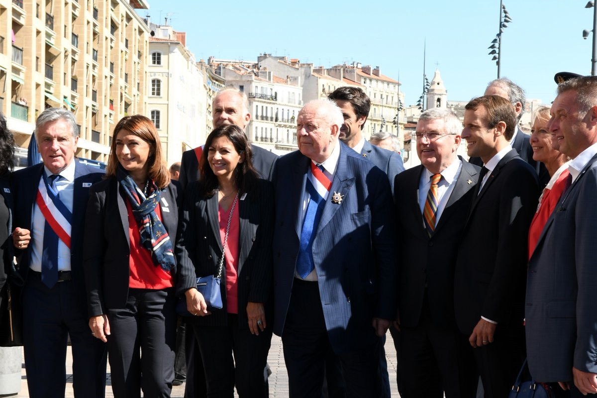 IOC President Thomas Bach was welcomed by French politicians and Paris 2024 officials ©Paris 2024