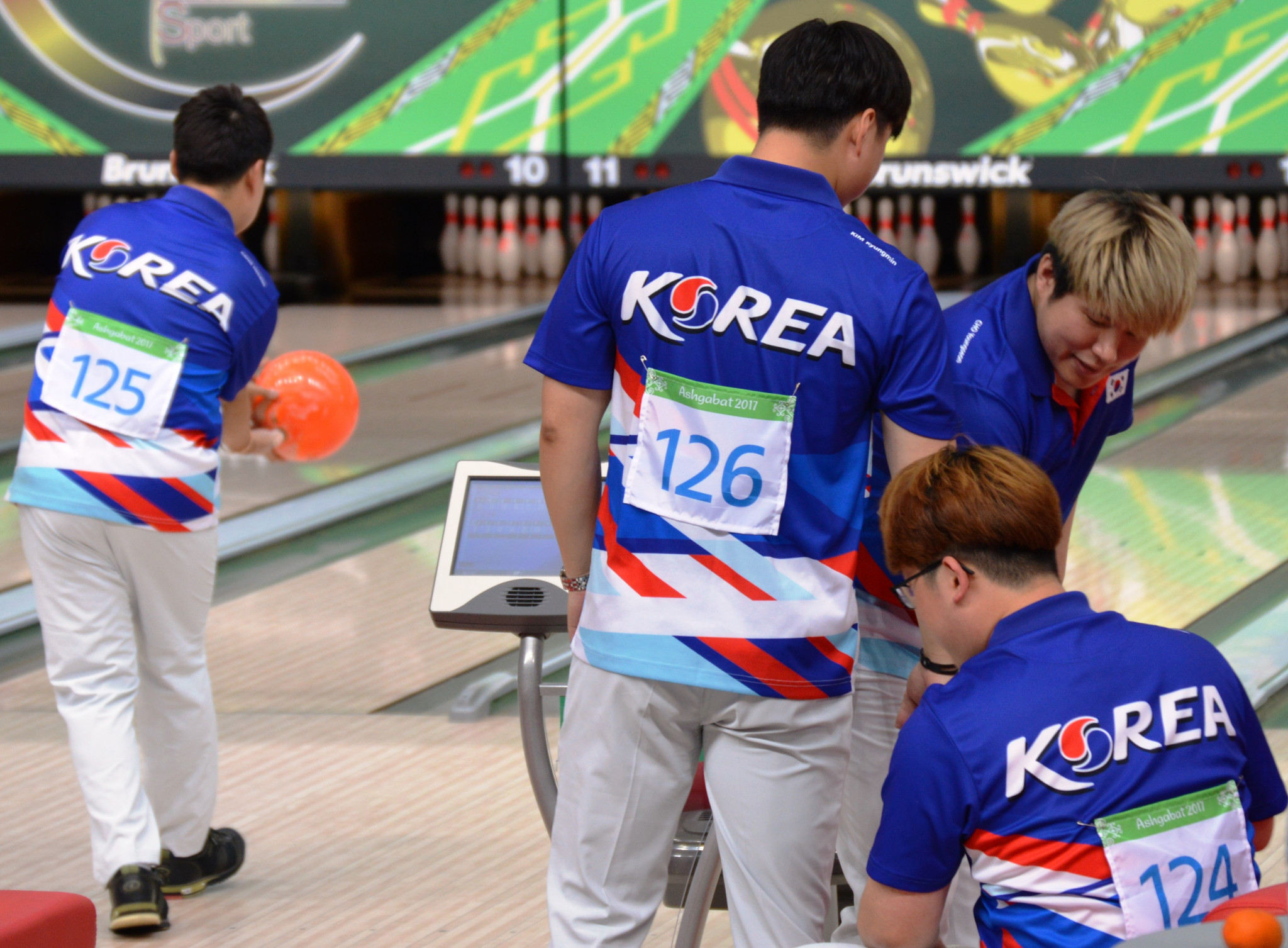 There was an all-South Korean final in the men's doubles bowling event with Cho Young Seon and Kang Heewon overcoming Kim Kyungmin and Choi Bokeum ©OCA