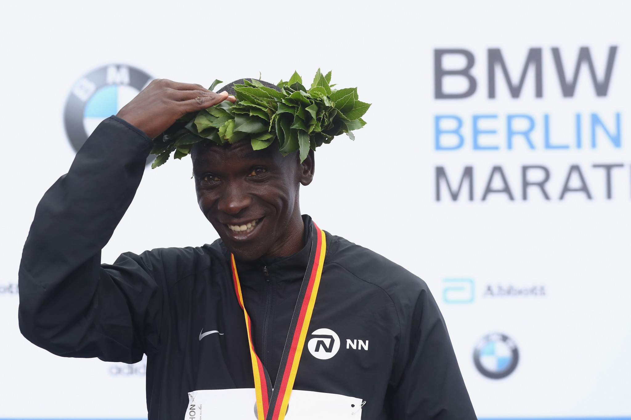 Eliud Kipchoge celebrates his Berlin Marathon win ©Getty Images