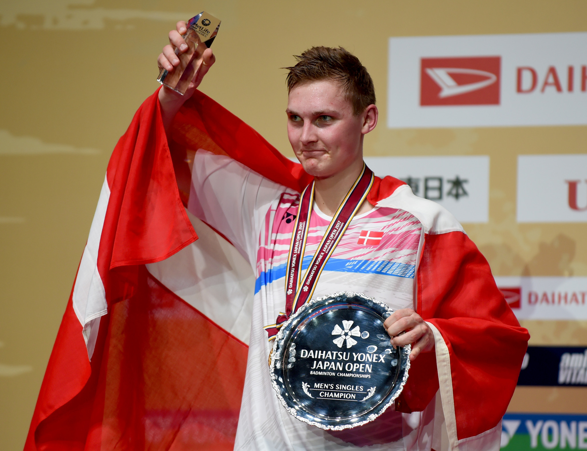 Axelsen claims men's singles crown at BWF Japan Open
