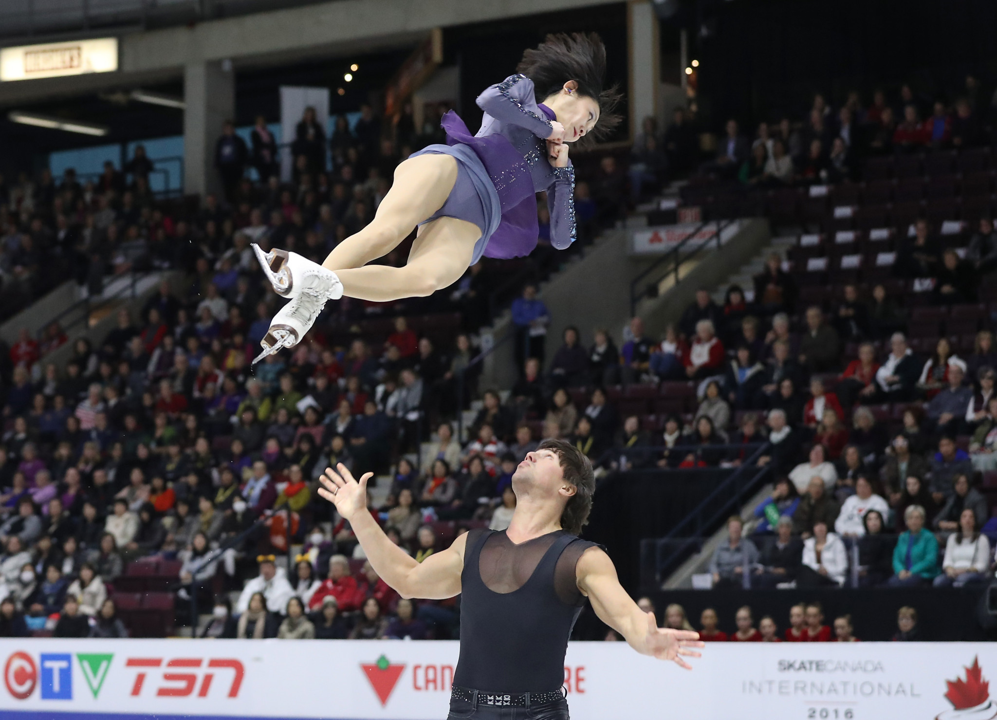 Kavaguti and Smirnov retire from figure skating