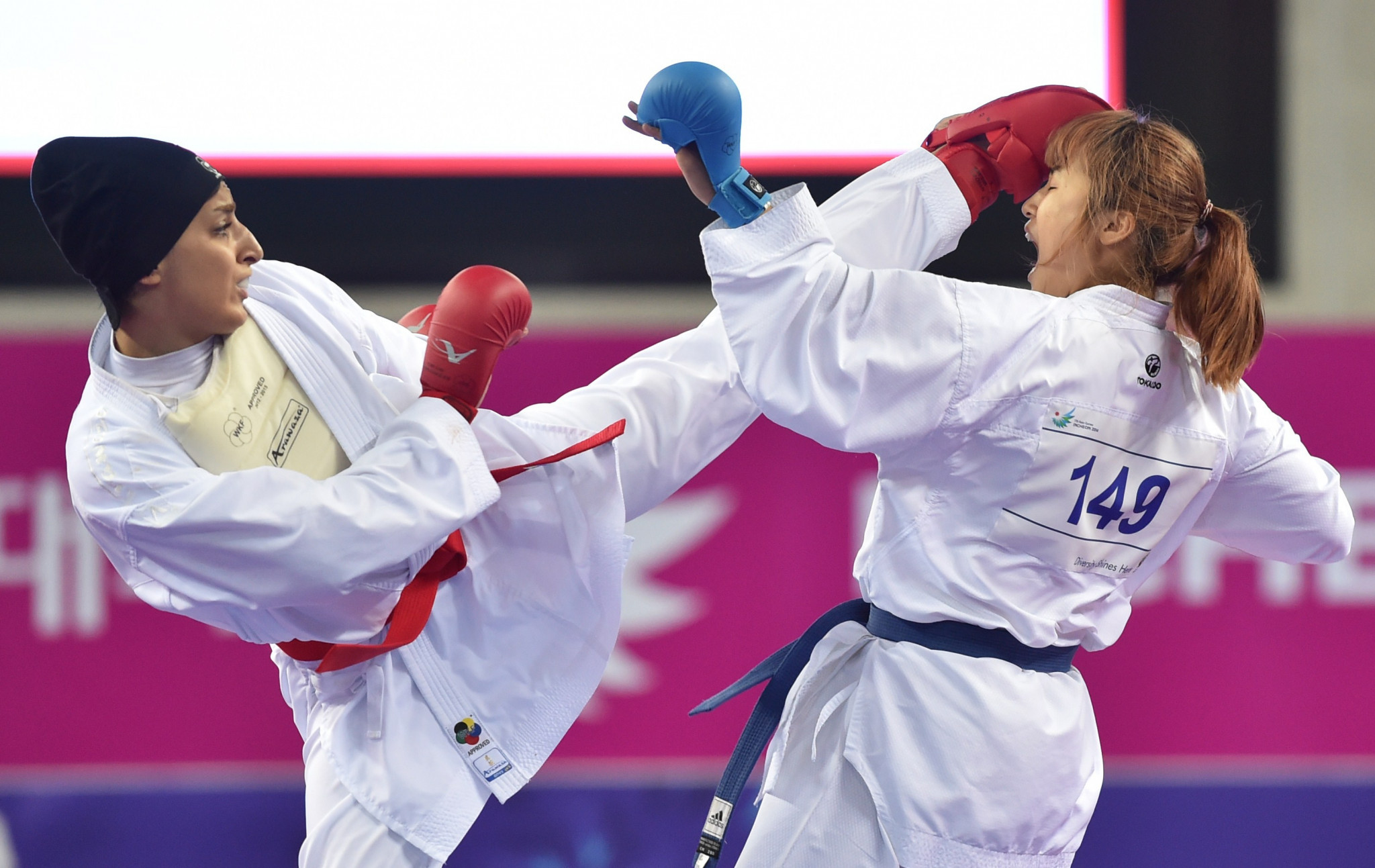 Iran's Fatemeh Chalaki, left, was among the gold medallists on the final day ©Getty Images