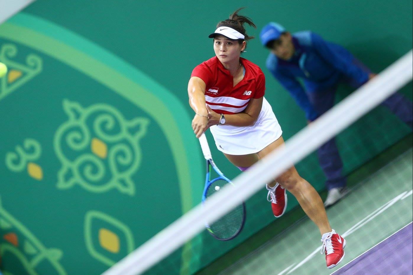 Indonesia's Beatrice Gumulya beat compatriot Aldila Sutjiadi in the women's singles indoor tennis final ©Ashgabat 2017/Facebook