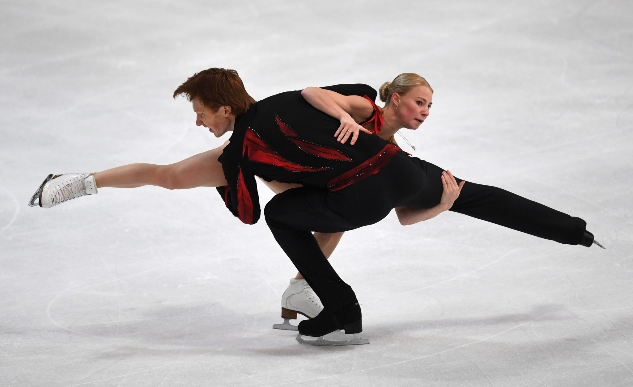 Evgenia Tarasova and Vladimir Morozov of Russia claimed the lead in the pairs short programme ©Getty Images