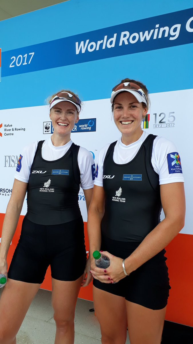 New Zealand's Grace Prendergast and Kerri Gowler claimed the gold medal in the women's pairs ©Twitter