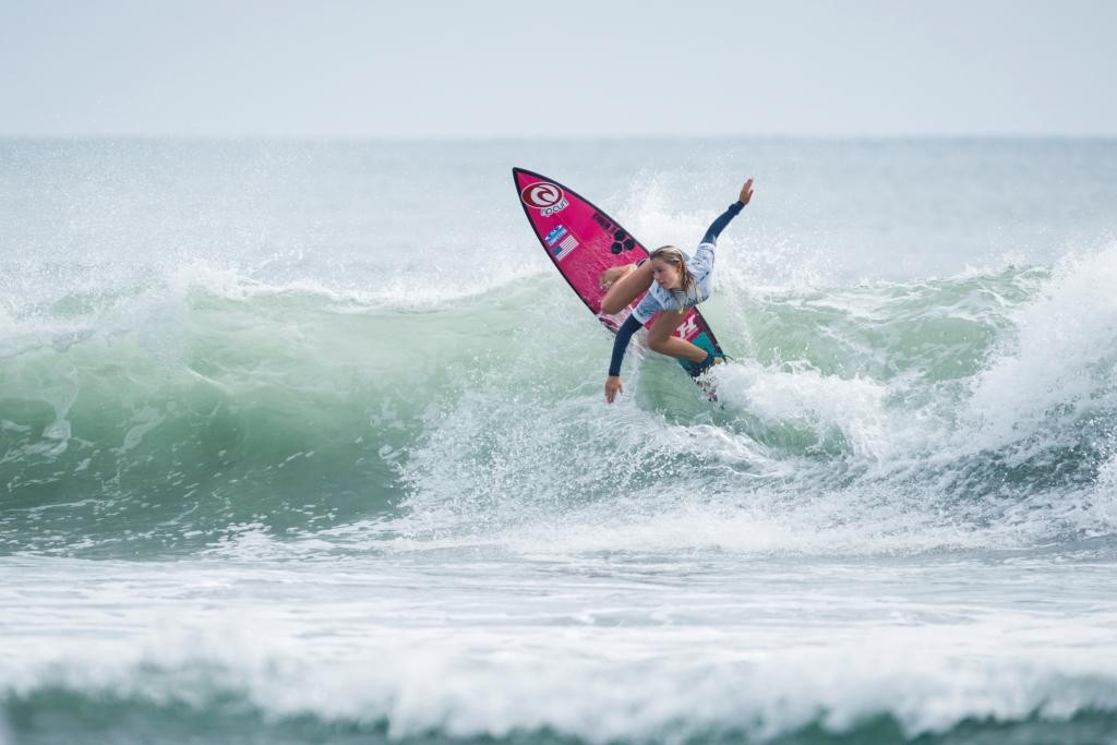 Spencer inspires United States to team title at World Junior Surfing Championship