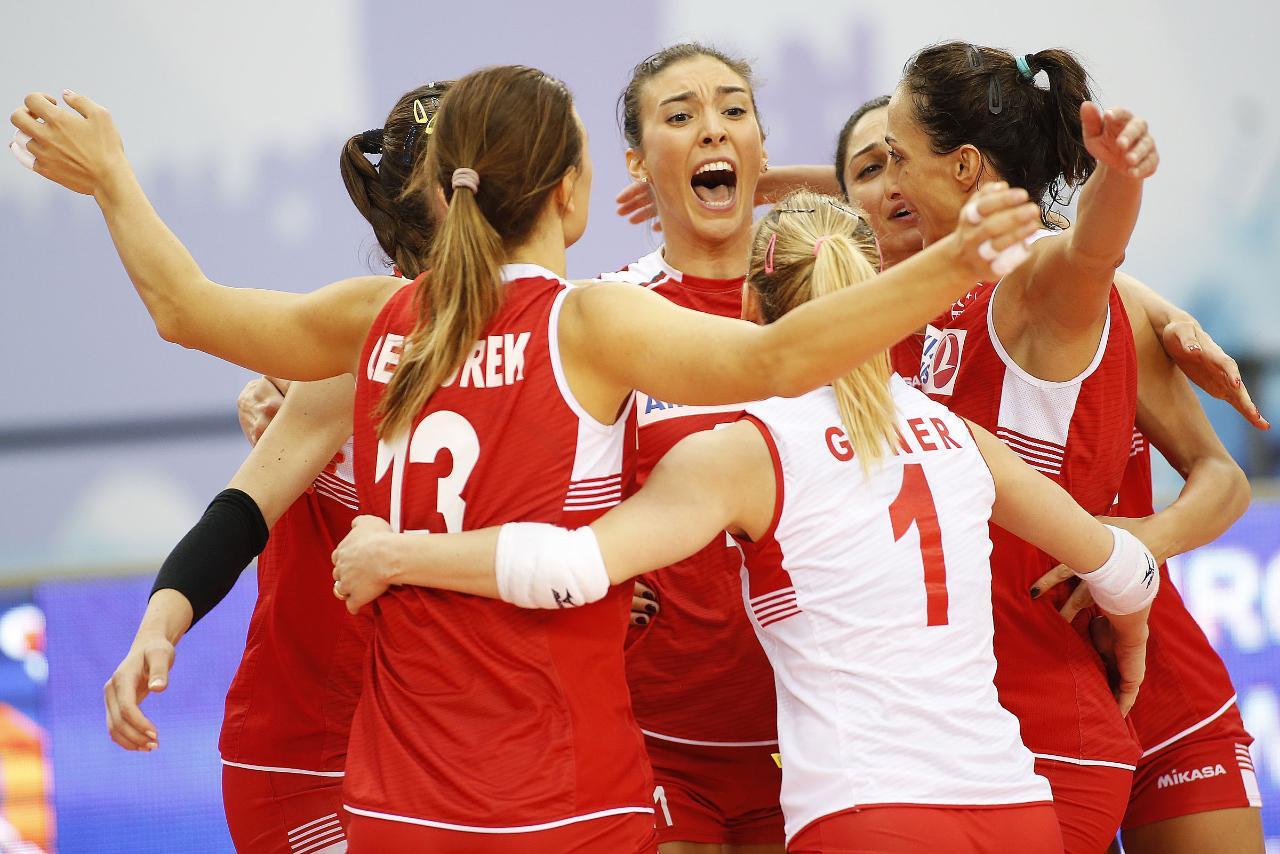 Turkey beat hosts Azerbaijan in the bronze medal match ©CEV