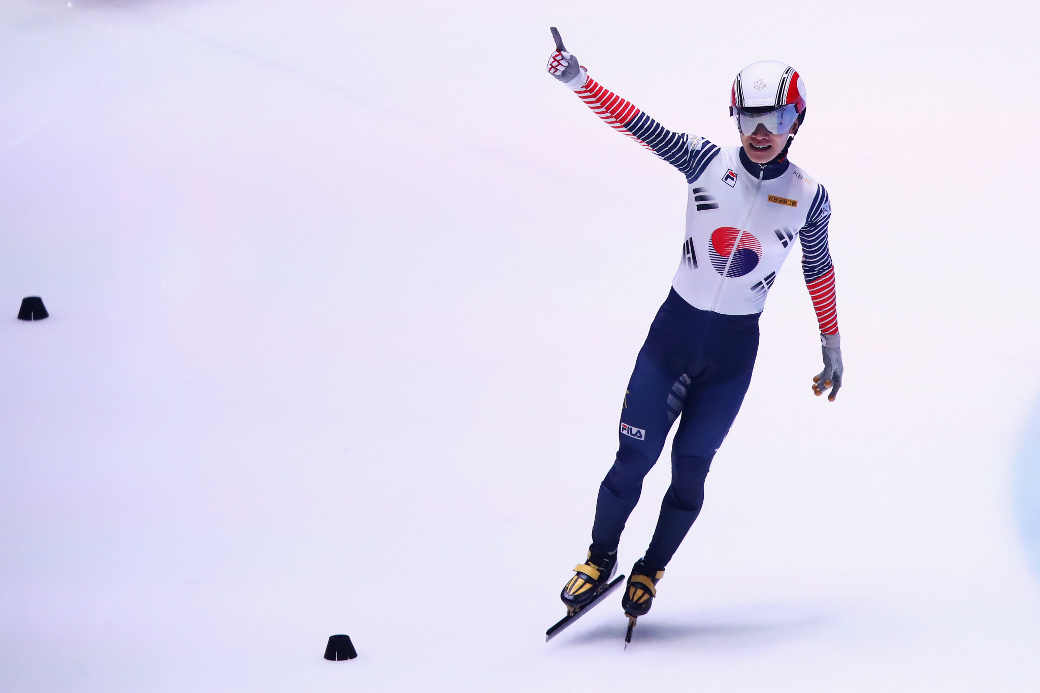 South Korea's Seo makes strong start at ISU World Cup Short Track Speed Skating event in Dordrecht