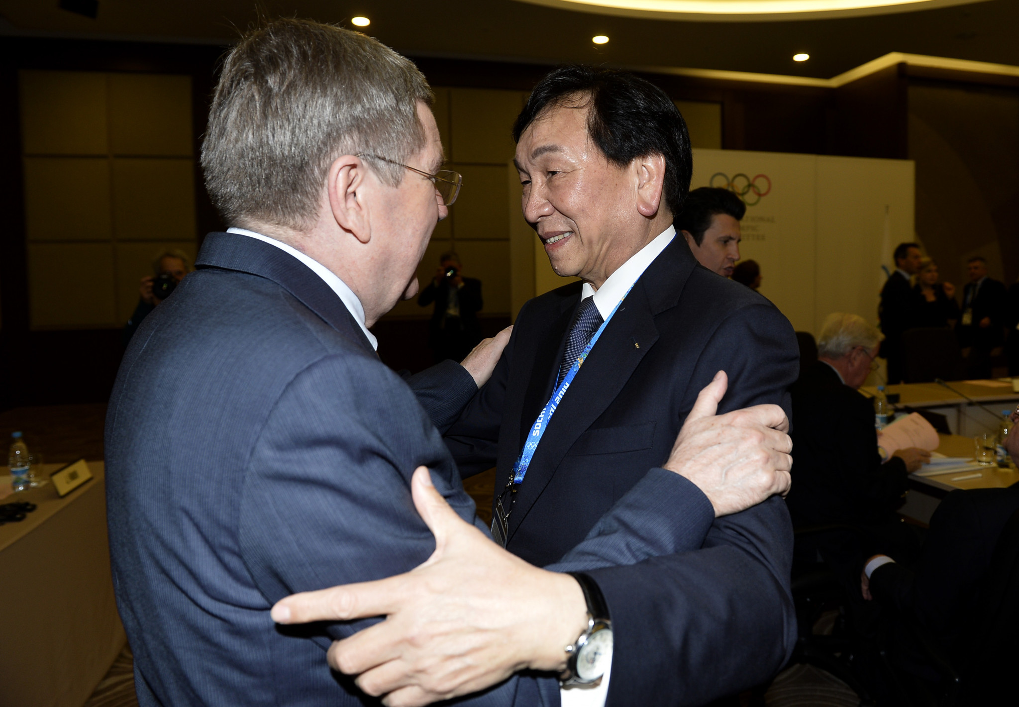 AIBA President C K Wu, right, alongside IOC counterpart Thomas Bach ©Getty Images
