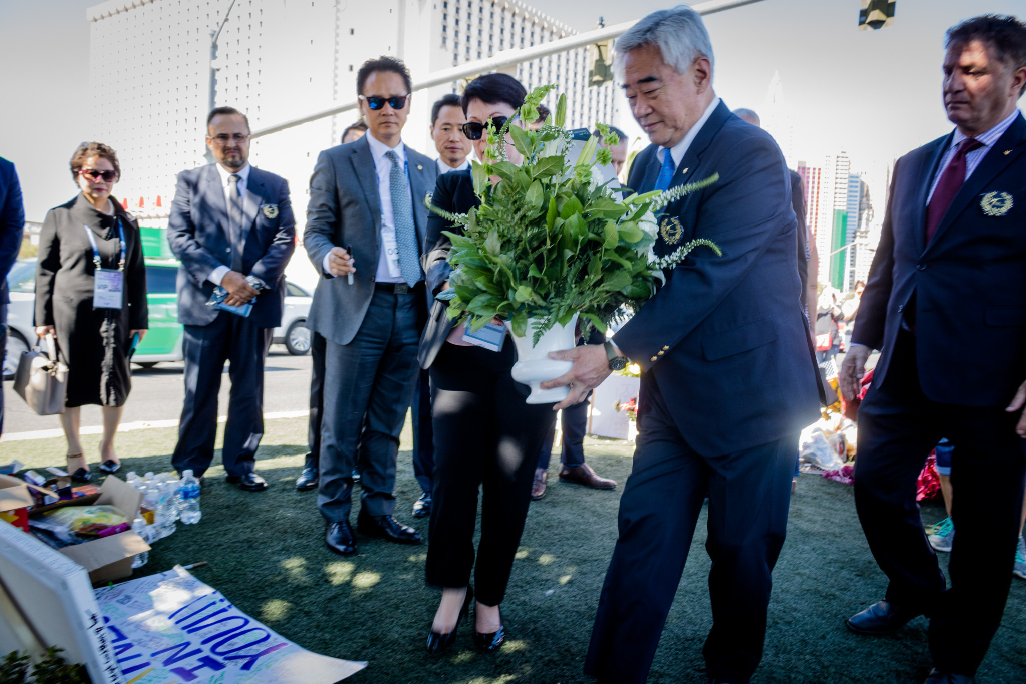 World Taekwondo President pays tribute at site of Las Vegas shooting