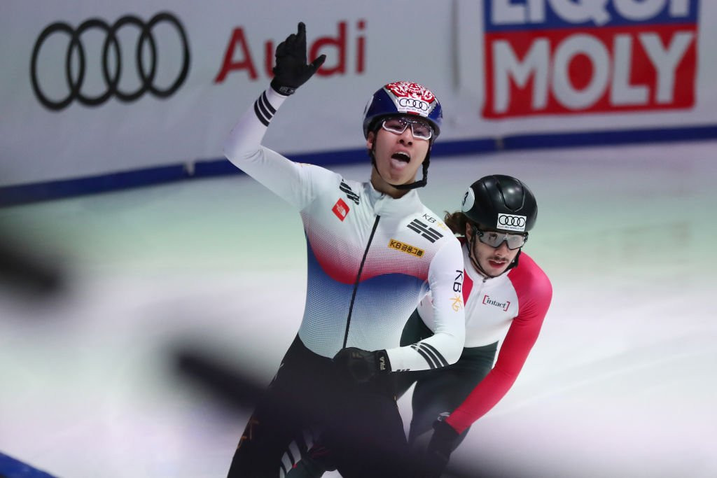 South Korea also enjoyed success in the men's 1,500m race as Hwang Dae-heon powered home to secure the gold medal ©ISU