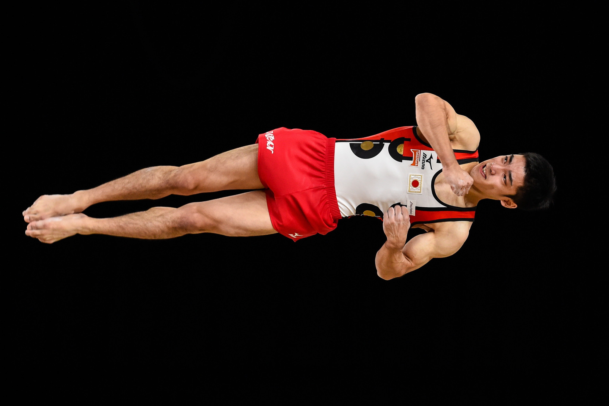 Japan's Kenzo Shirai put in another impressive performance to claim his third straight world floor title ©Getty Images