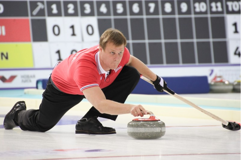 Hosts Russia move to Group A summit at World Mixed Doubles Curling Championship