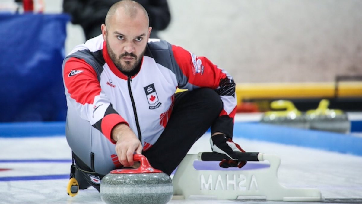 Canada battled to victory over England today ©Curling Canada