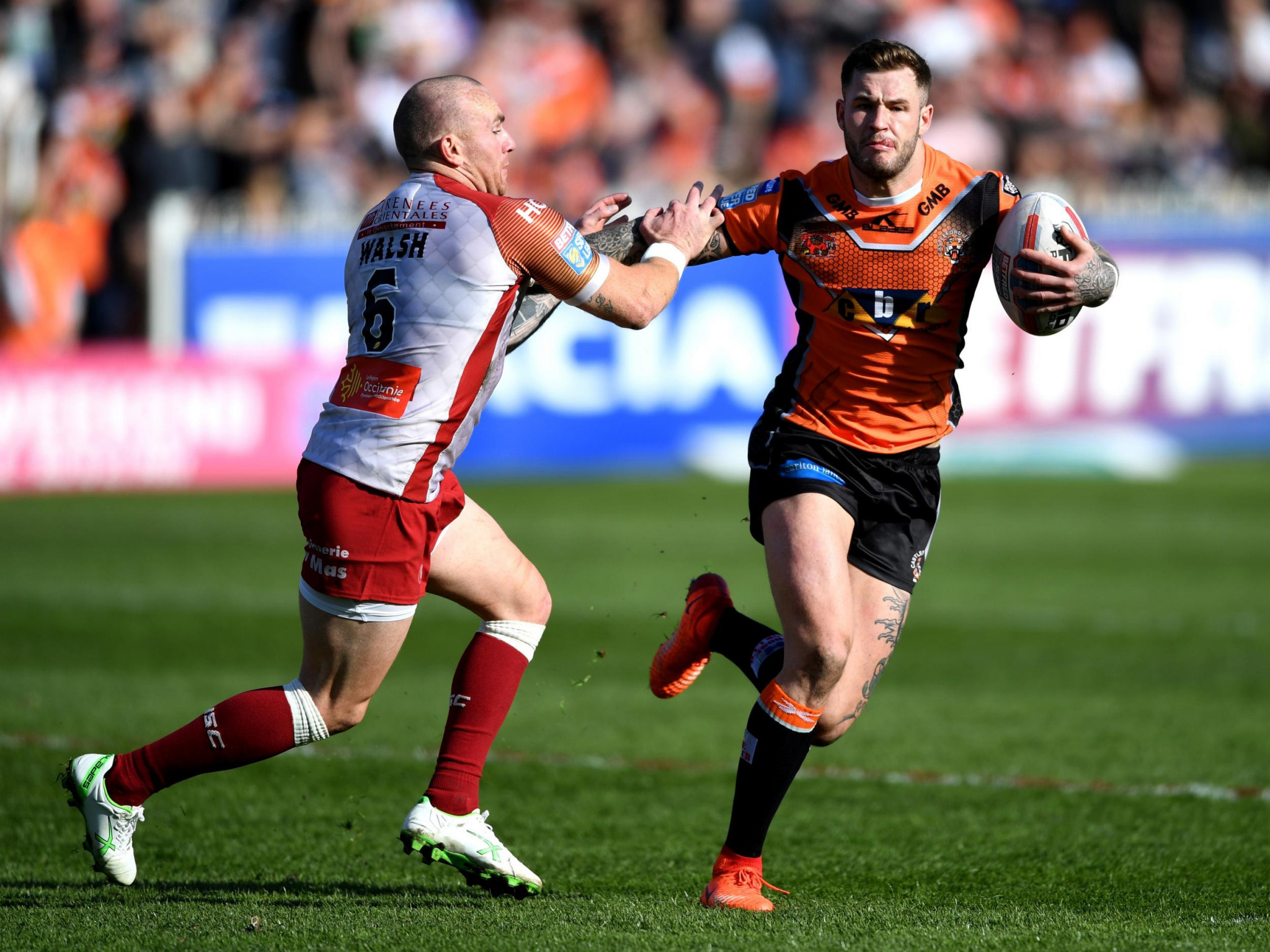 Zak Hardaker, right, was dropped by Castleford Tigers before the Super League Grand Final against his former club Leeds Rhinos for an unspecified breach of discipline before it was revealed he had tested positive for cocaine ©Getty Images