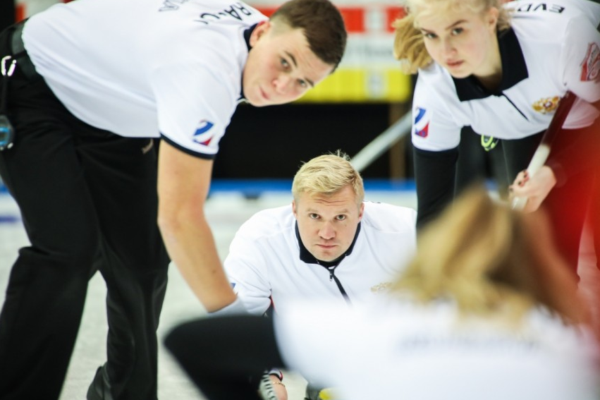 Three nations book play-off places at World Mixed Curling Championships