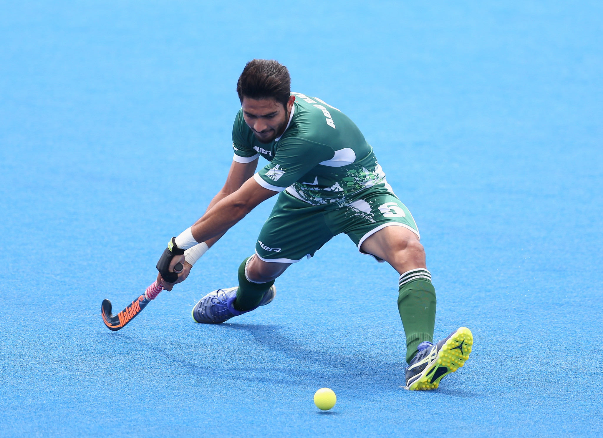 India and Pakistan ease to opening victories at Asia Cup