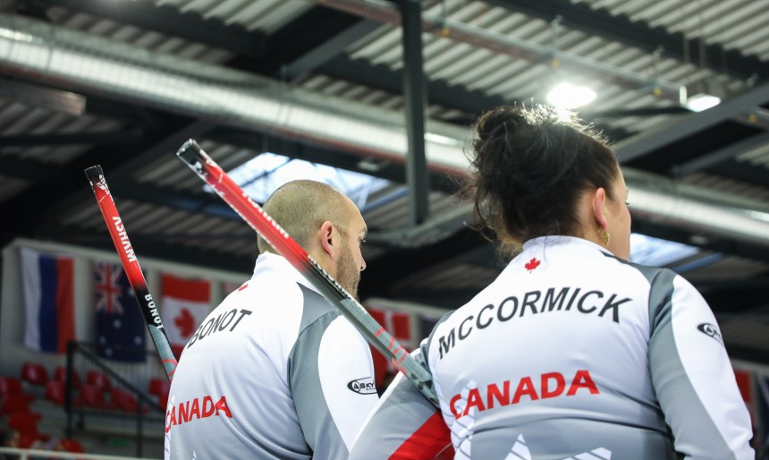 Canada eliminate defending champions to reach World Mixed Curling Championships semi-finals