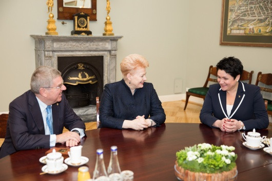 Bach meets Lithuanian President and LTOK head during visit to Vilnius