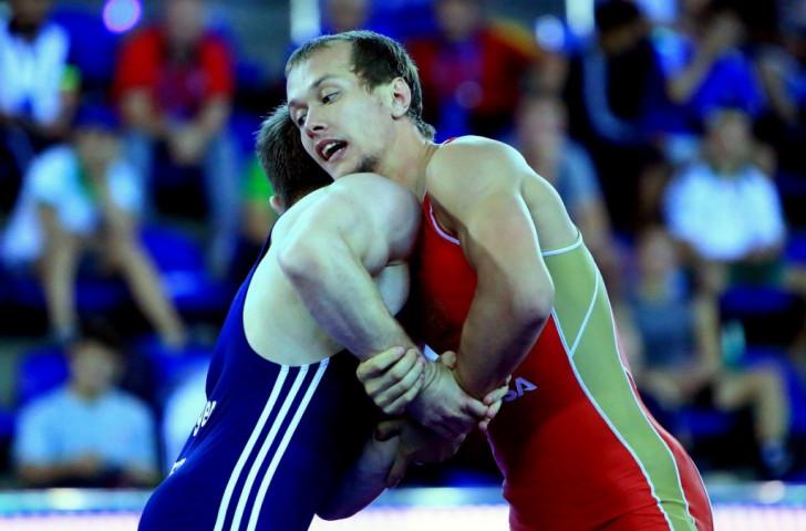 Russia's Emilin Serhey beat Azerbaijan's Karim Jalazov to claim 60kg gold