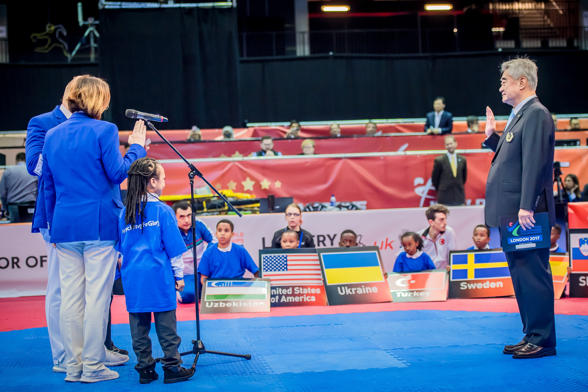 Great Britain's Christopher Codling and Croatia's Renata Crkvenac read the referees' oath ©World Taekwondo