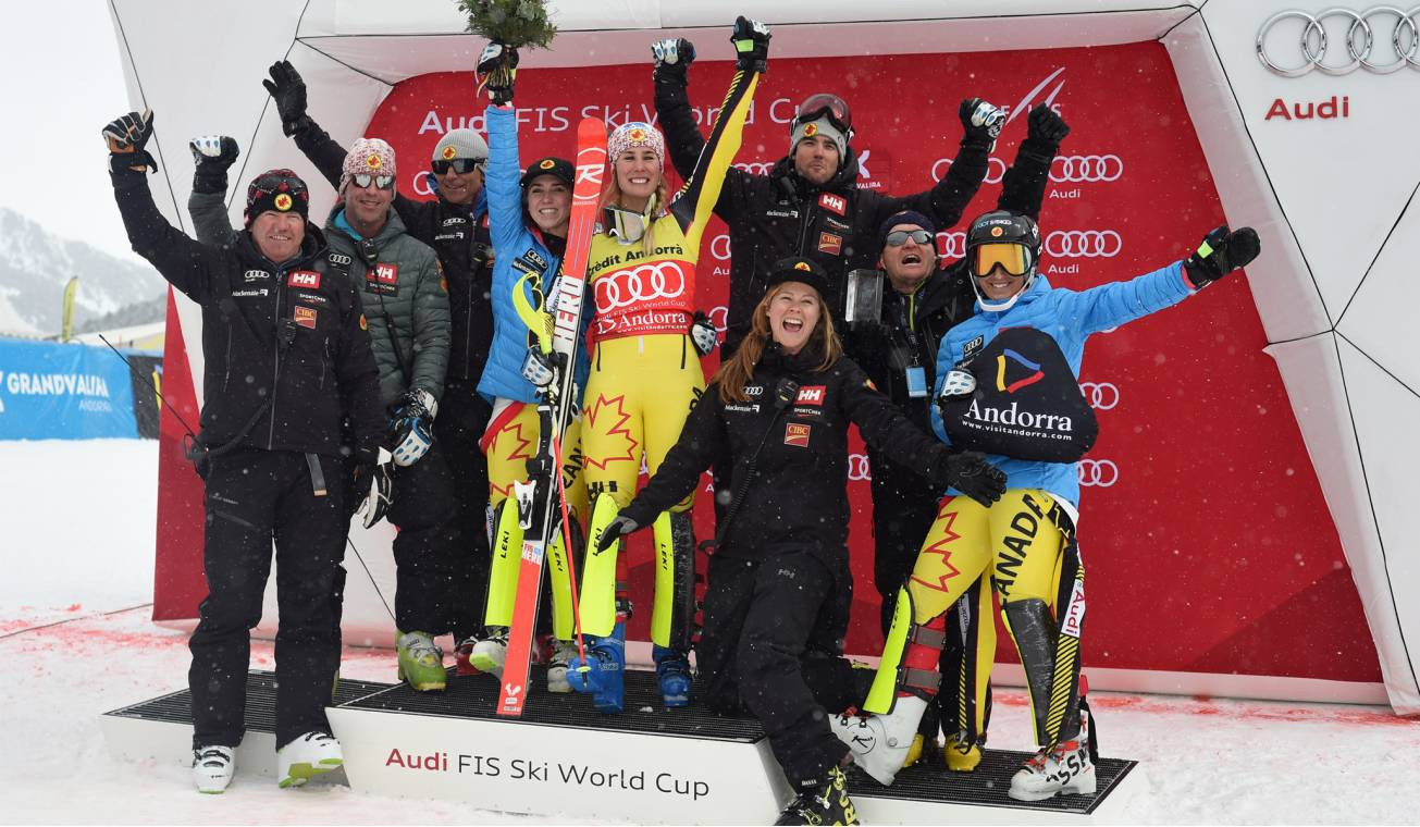 A group of Canadian participants in the FIS Ski World Cup ©Alpine Canada