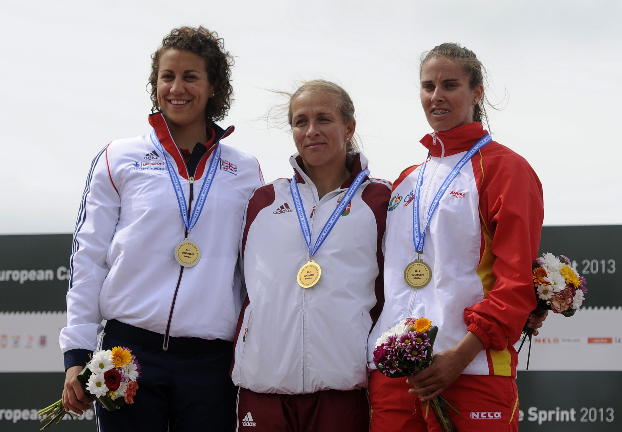 Spain's Eva Barrios, right, is among the leading names set to compete in the senior women K1 races ©Getty Images