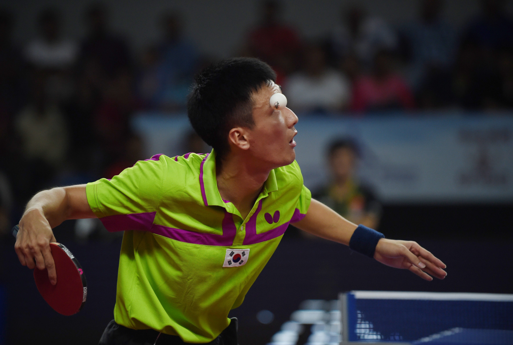 Lee battles to two epic wins on opening day of ITTF World Cup