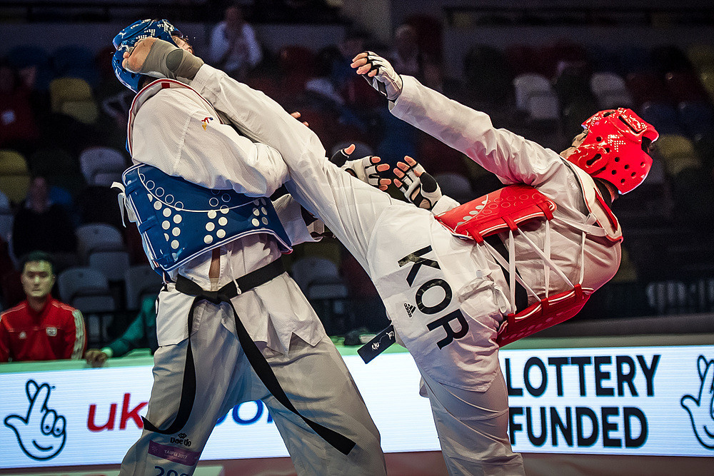 The last final of the evening saw South Korea's In Kyo-Don beat Russia's Rafail Aiukaev to secure the men's over 80kg crown ©World Taekwondo