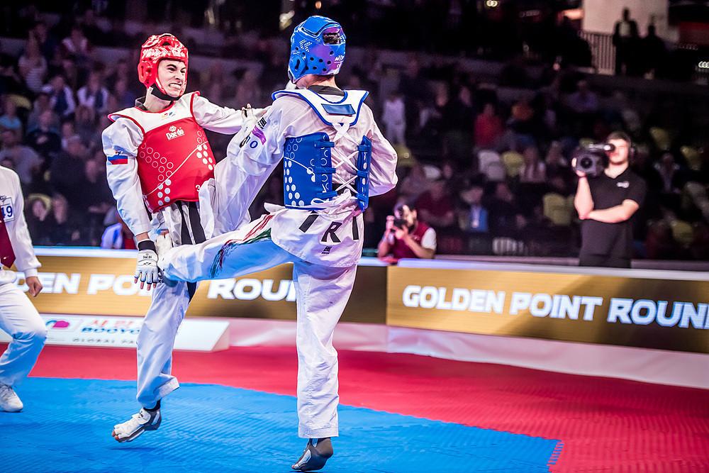 Russia's Mikhail Artamonov defeated Iran's Armin Hadipour Seighalani in the men's under-58kg final ©World Taekwondo