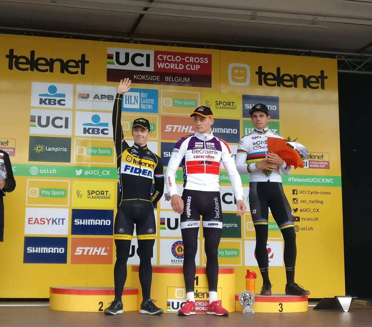 Van der Poel and Kaptheijns claim Dutch double at UCI Cyclo-Cross World Cup