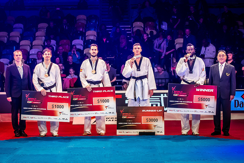 Each of the weight category's medallists were awarded cash prizes ©World Taekwondo