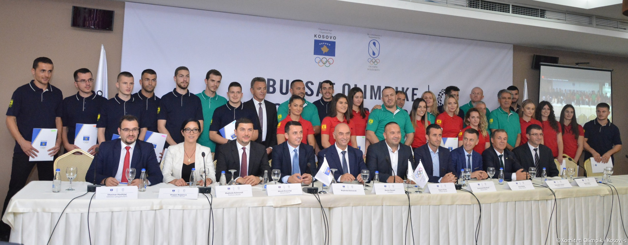 Recipients of Olympic scholarships for Tokyo 2020 and members and staff of Kosovo Olympic Committee ©Kosovo Olympic Committee