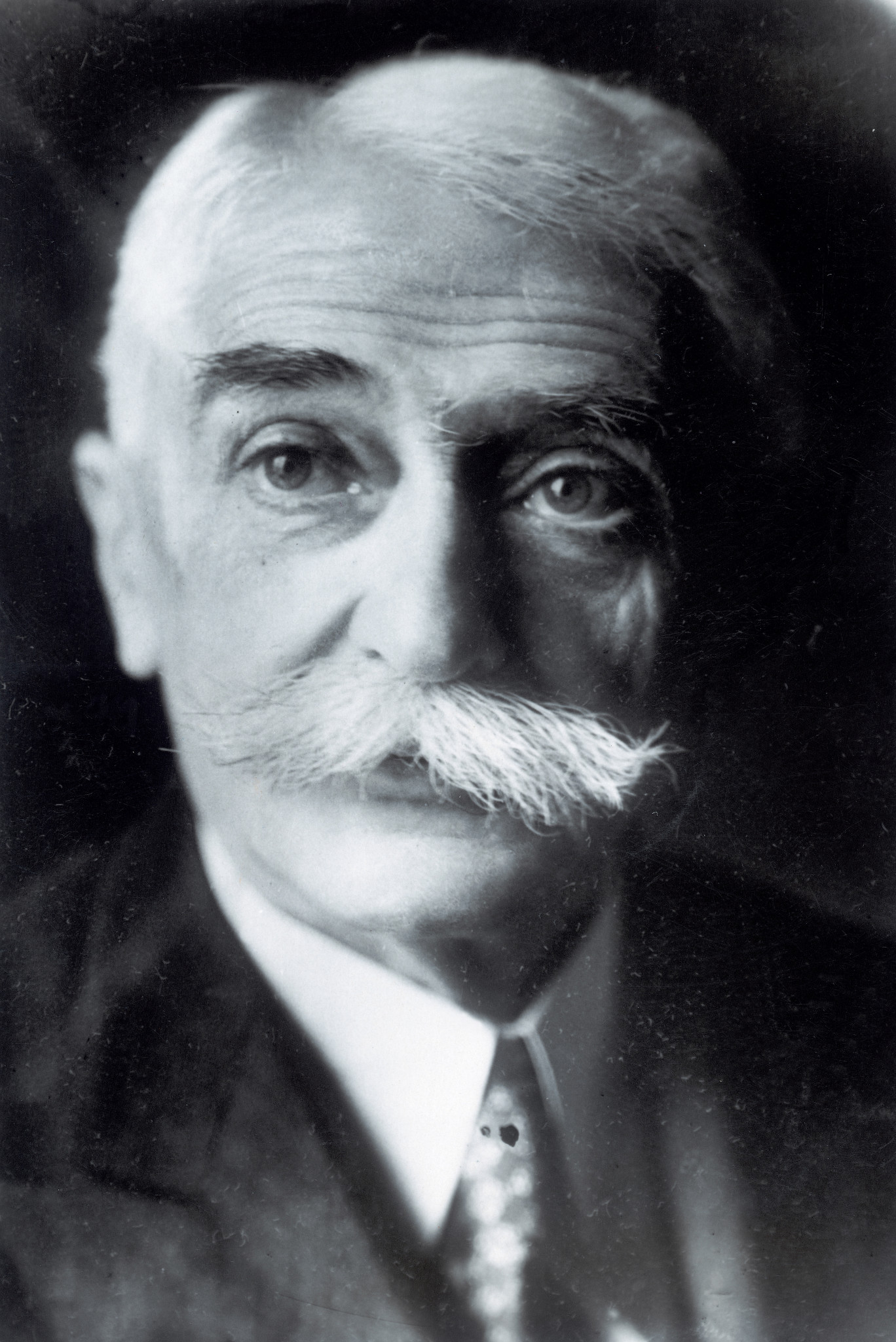 Pierre de Coubertin, founder of the International Olympic Committee, ran the organisation from his family home, with a lot of business conducted by letters ©Getty Images