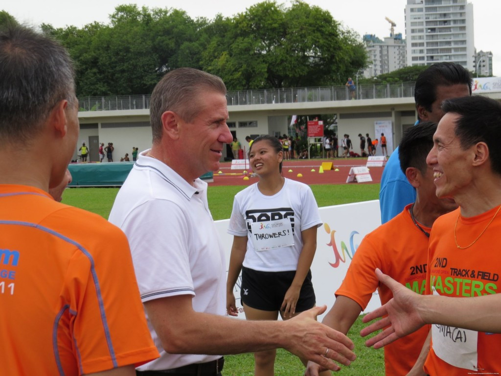Sergey Bubka has earned the backing of Singapore Athletics for his campaign to become the next President of the International Association of Athletics Federations following a series of visits to the country