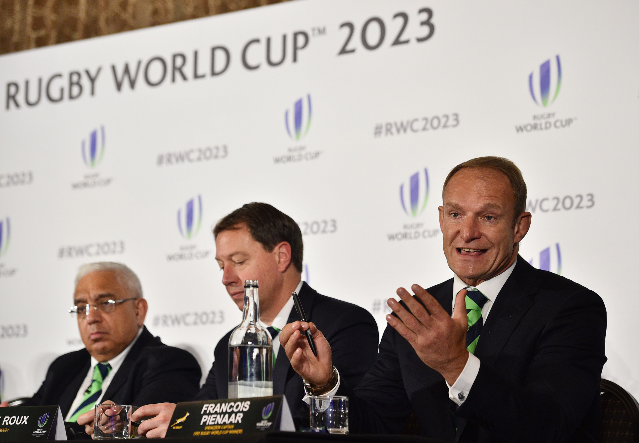 Former South Africa captain and 1995 Rugby World Cup winner Francois Pienaar is poised to hear if the Springboks will host the 2023 tournament ©Getty Images