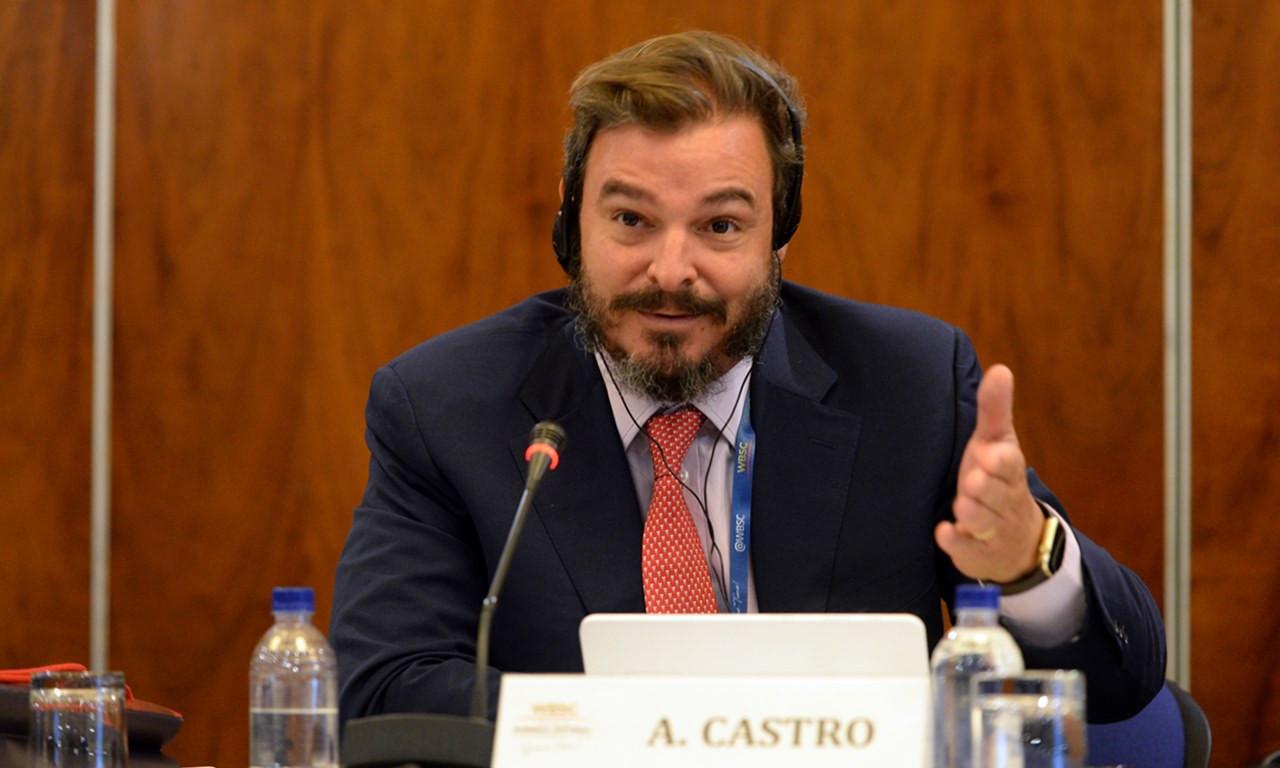 WBSC Global Ambassador for Baseball, Antonio Castro, son of former Cuban leader Fidel Castro ©WBSC