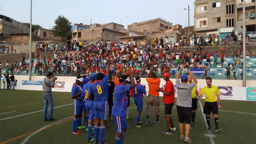 The Cape Verde team salutes its supporters at the IBSA Blind Football African Championships ©IBSA