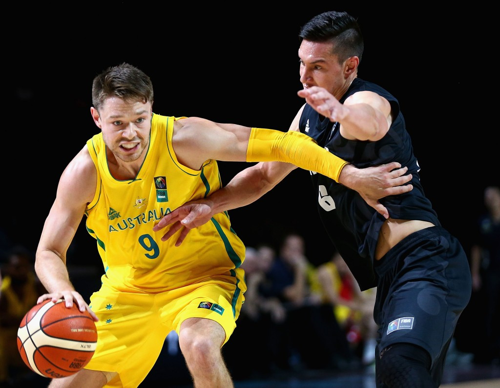 Australia gain male and female double over New Zealand to close in on Rio 2016 basketball qualification