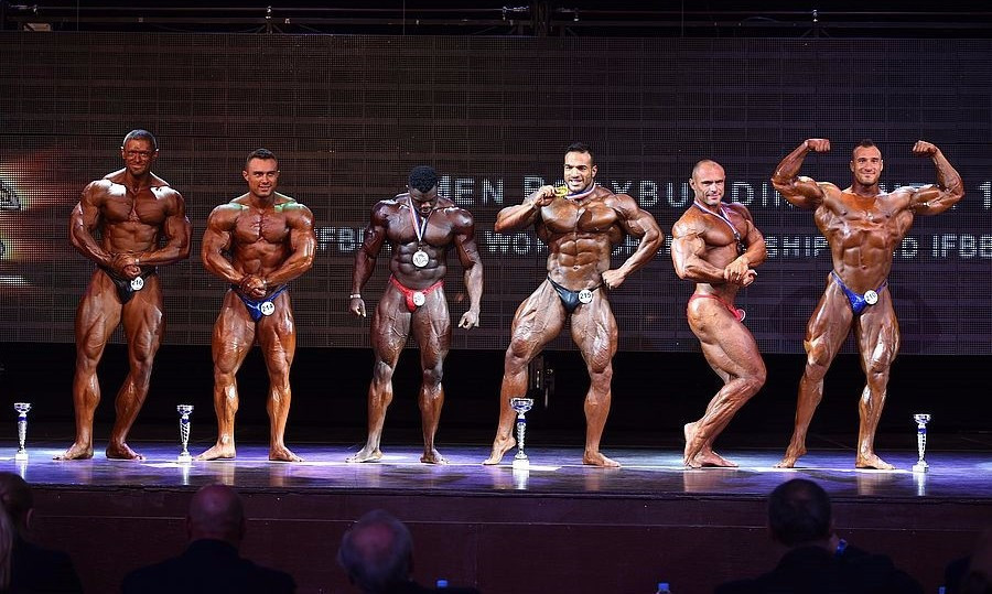 Semadi had earlier triumphed in the over 100 kilograms category ©Igor Kopcek/East Labs Team/IFBB