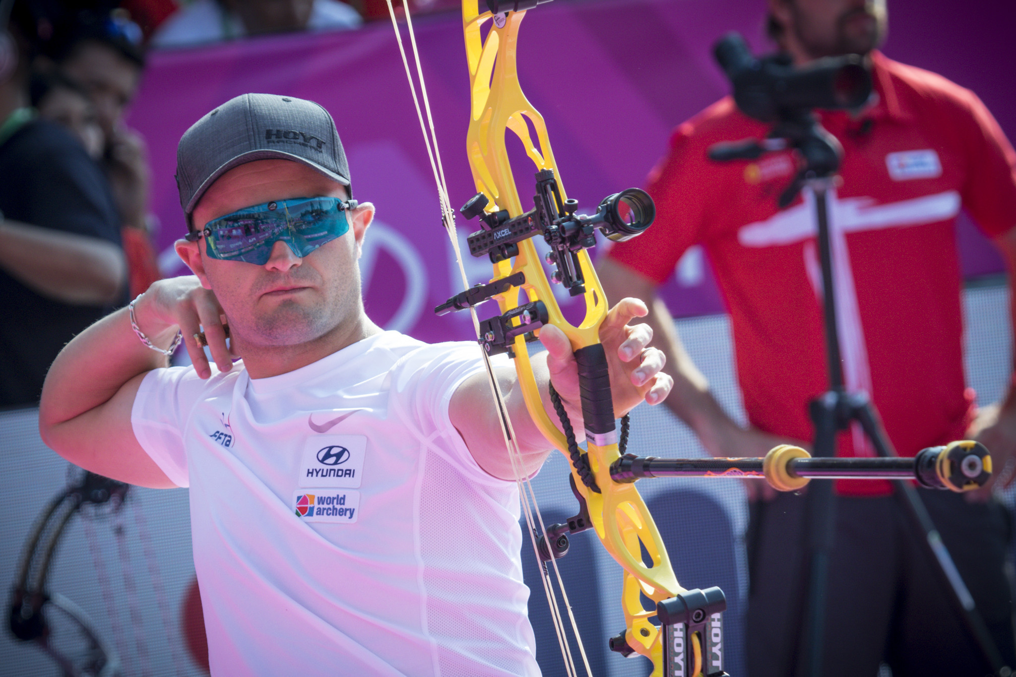 Peineau and Hansen set to renew rivalry at first Indoor Archery World Cup of season