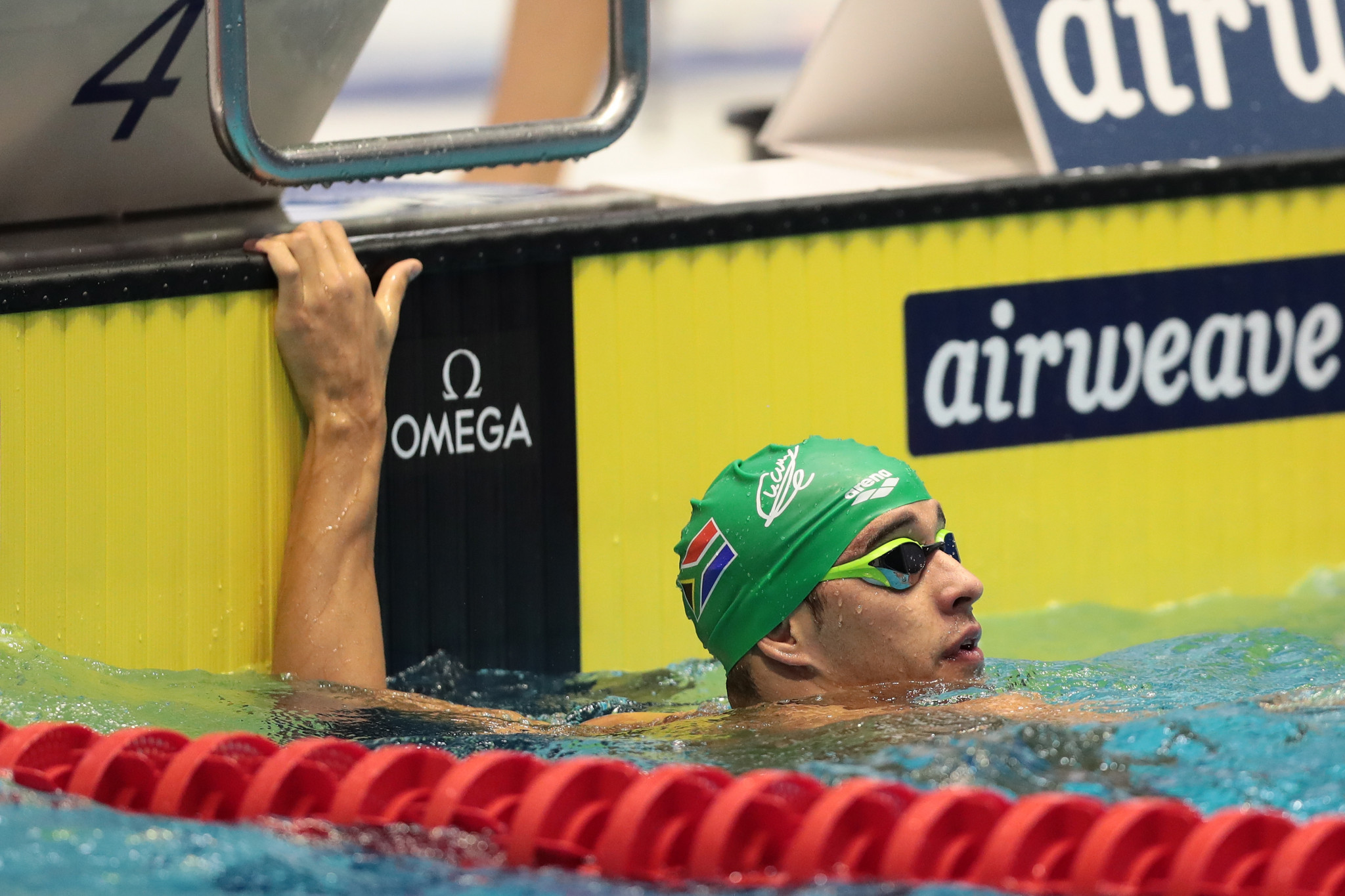 Overall leader Le Clos claims two victories at FINA World Cup in Beijing
