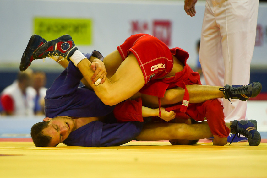 In the first of two finals that did not feature a Russian sambist, Armenia's Tigran Kirakosyan beat defending champion Maralerdene Chimeddorj of Mongolia to the men's 52kg title ©FIAS