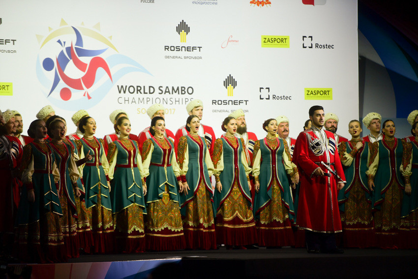 A performance from the Kuban Cossack Choir, one of the leading Folkloric ensembles in Russia, begun proceedings ©FIAS