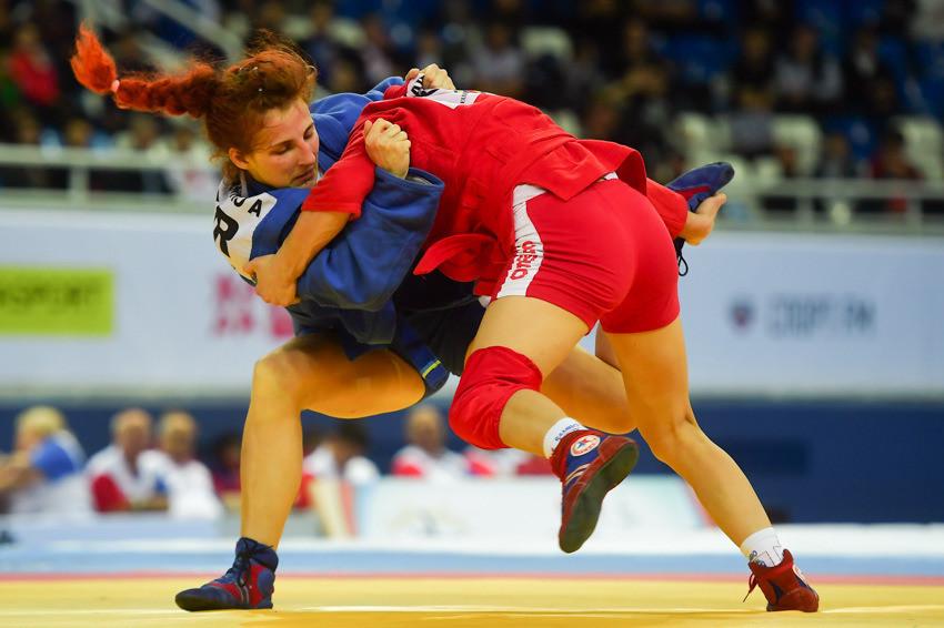 The second saw Ukraine's Anastasiya Shevchenko go one better than her silver medal-winning performance last year by defeating Belarus' Katsiaryna Prakapenka to the women's 60kg crown ©FIAS