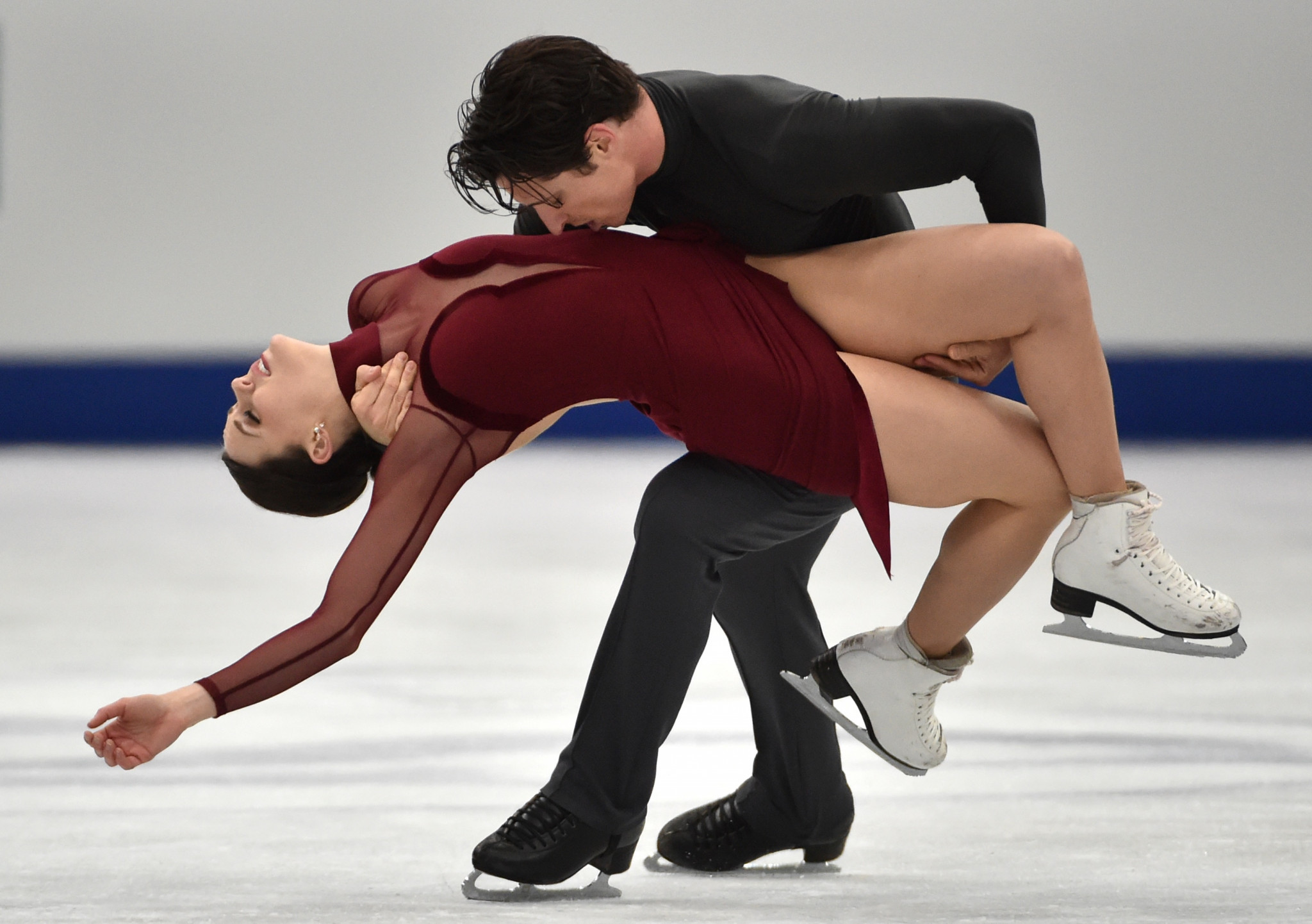 Tessa Virtue and Scott Moir, of Canada, win gold for their free dance at the Grand Prix of Figure Skating 2017/2018 NHK Trophy in Osaka ©Getty Images