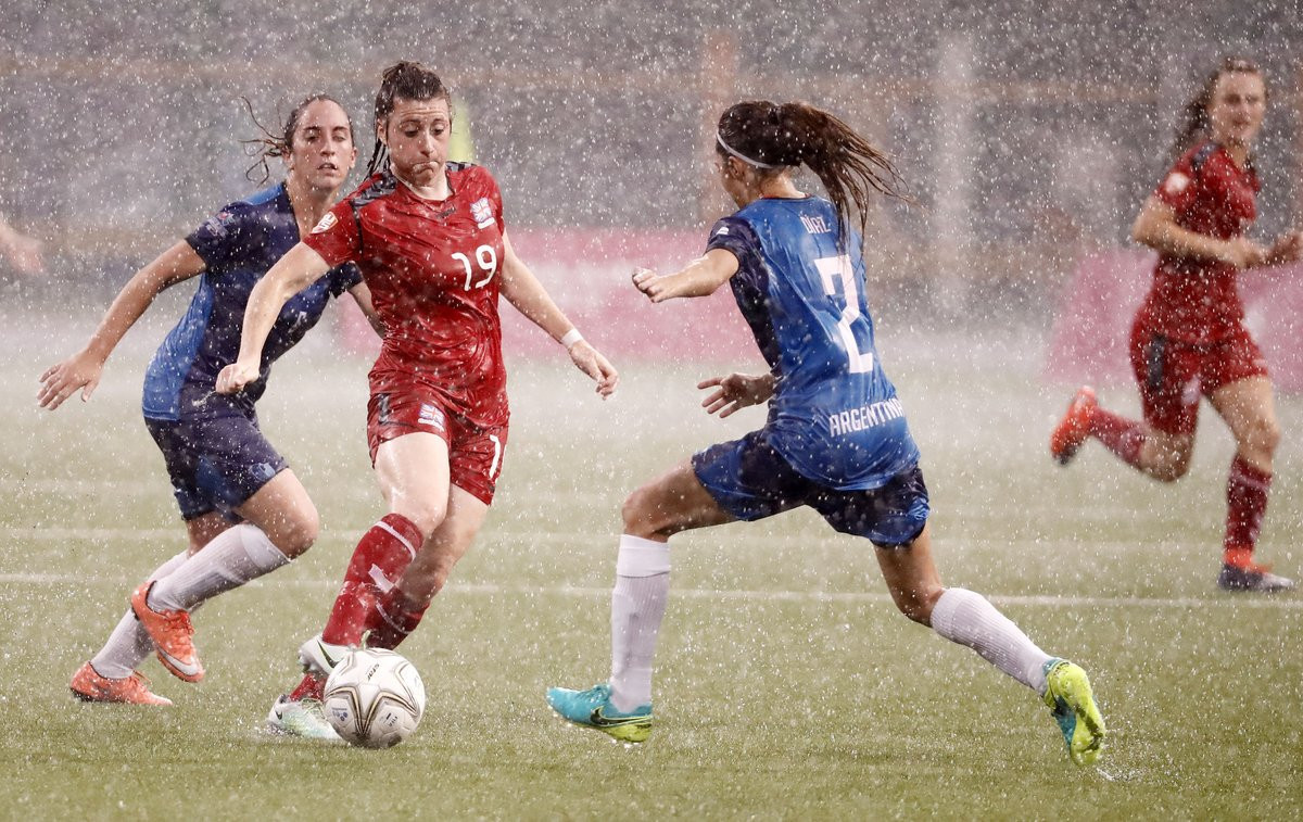 The challenging conditions of Taipei was highlighted by Lucy Quinn ©FISU