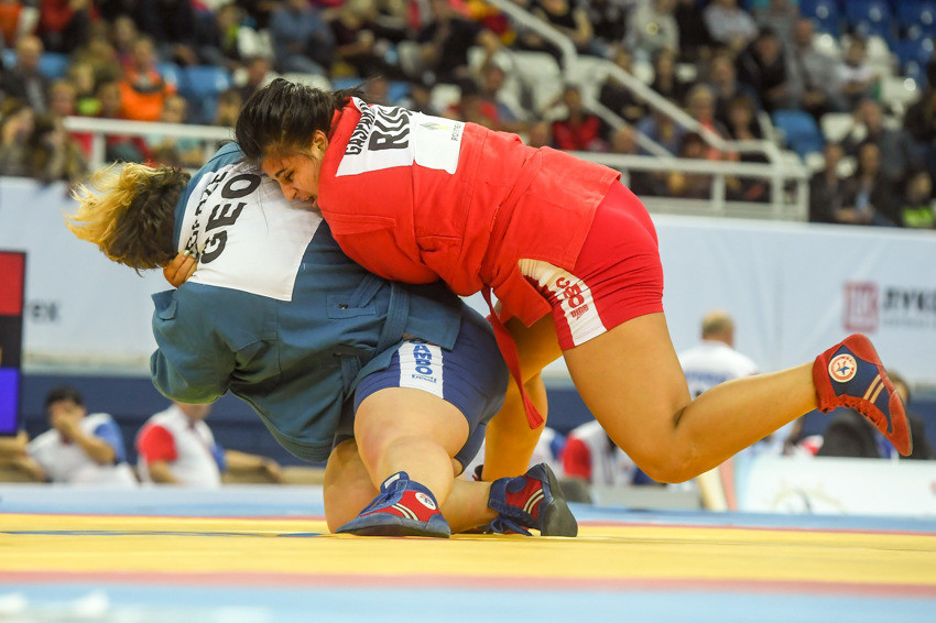 Anzhela Gasparyan helped Russia achieve a hat-trick of victories in women's competition today ©FIAS