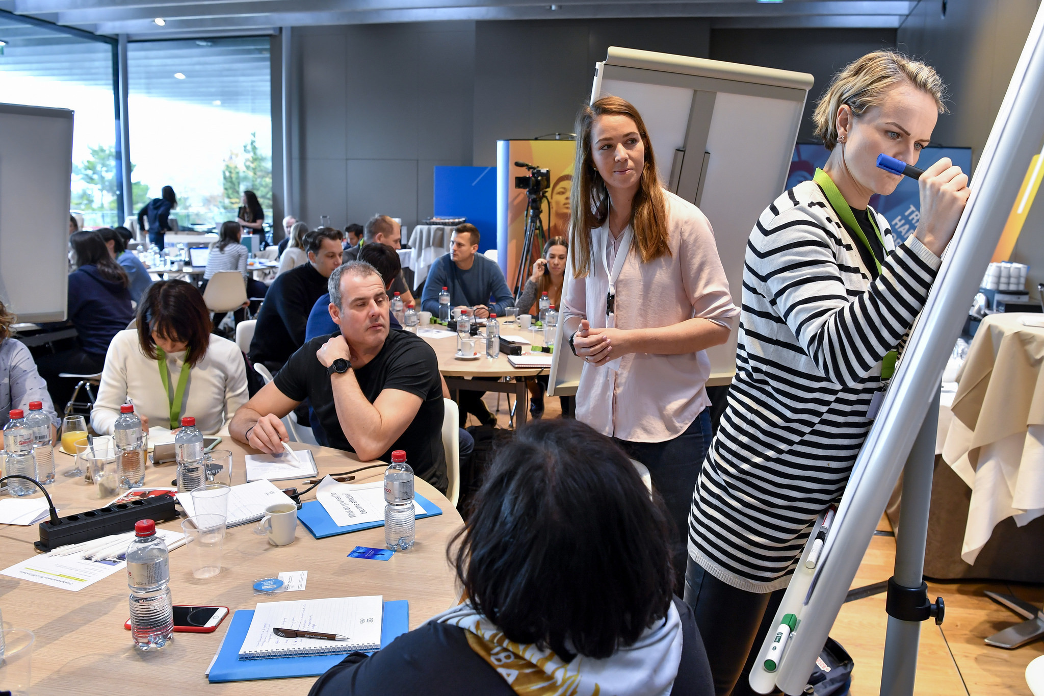 Participants suggest ideas during the Athletes' Forum in Lausanne ©IOC