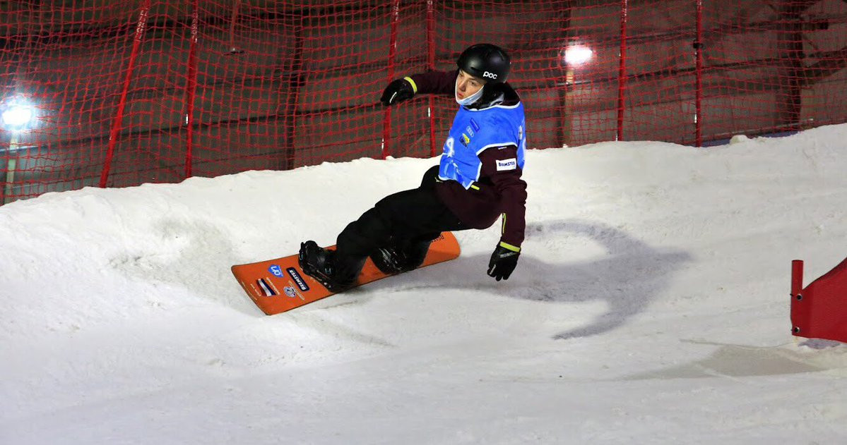 Vos gets season off to winning start at Para Snowboard World Cup
